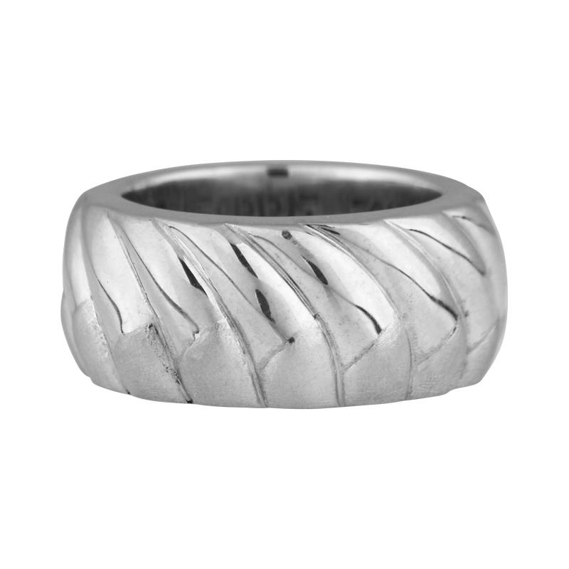 Formschöner Silberring
