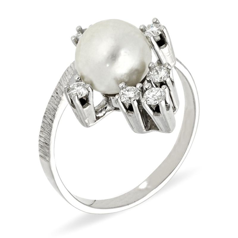 Ring mit Perlen und Brillanten